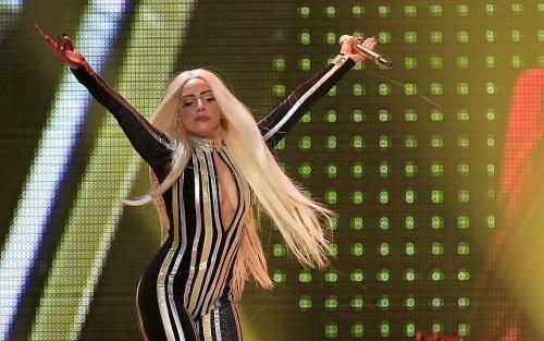 Lady_Gaga_Stones02